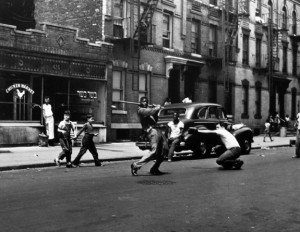 Stickball, New York City 1950 ©Arthur Leipzig